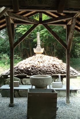 0725義朝の墓.JPG
