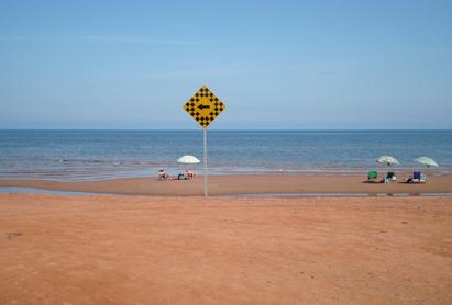 0814標識と海.jpg
